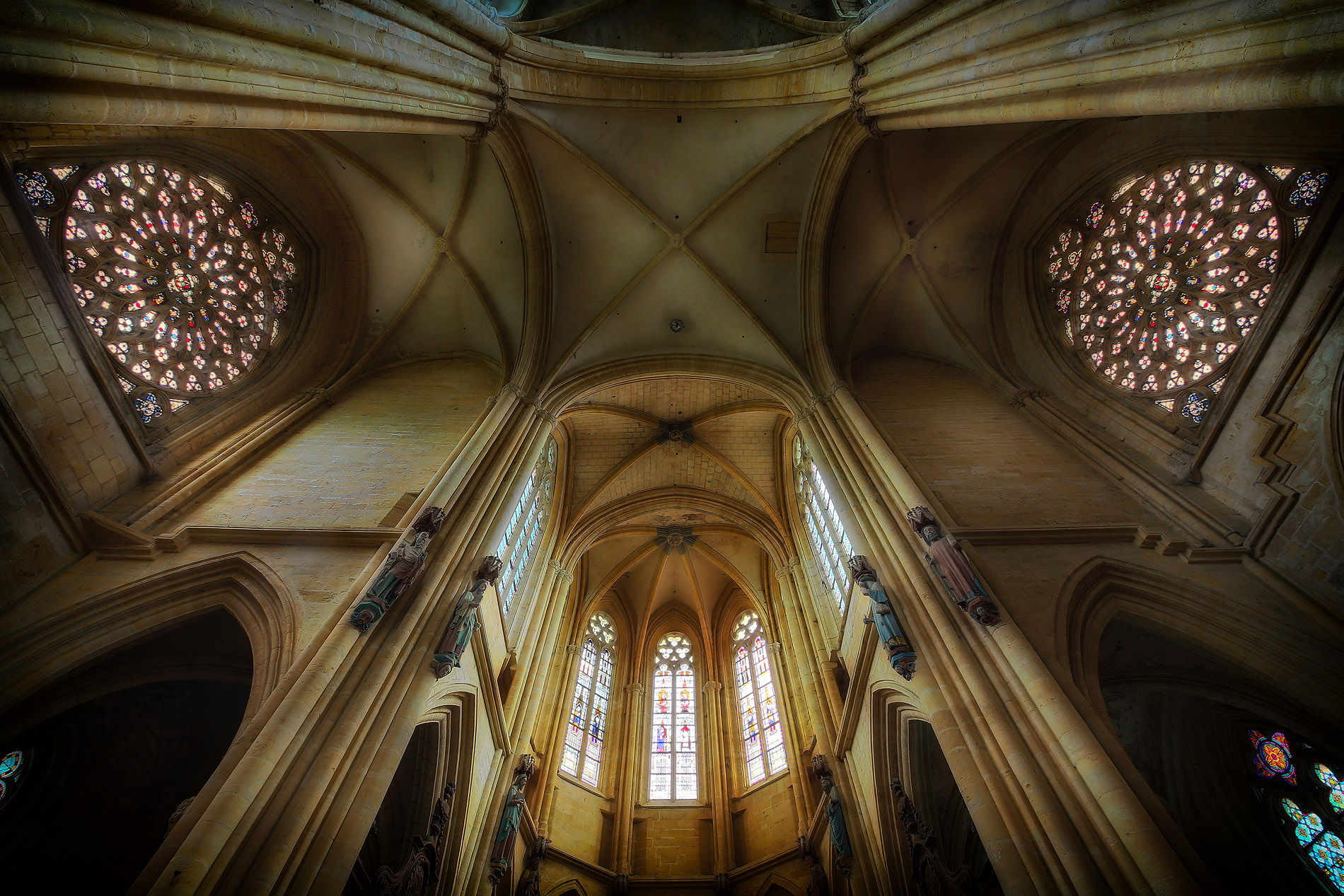 Basilique Notre-Dame - Avioth (55)2
